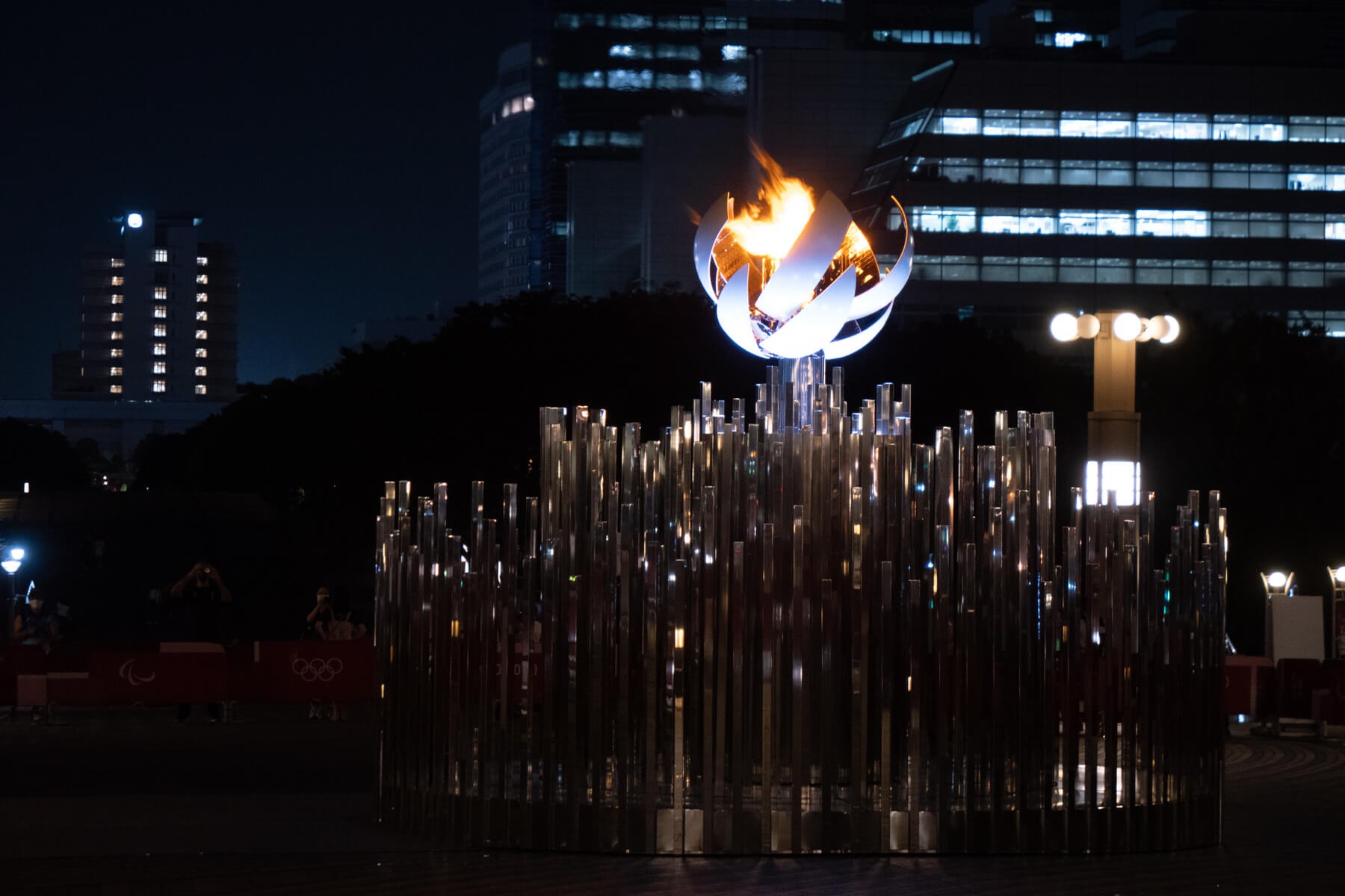TOKYO2020 夢の大橋に設置された聖火台