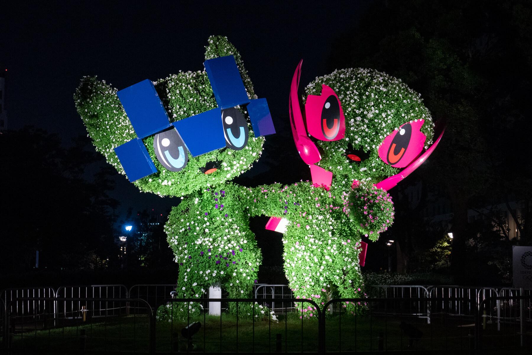 TOKYO2020 マスコットガーデン ミライトワとソメイティのフラワーモニュメント